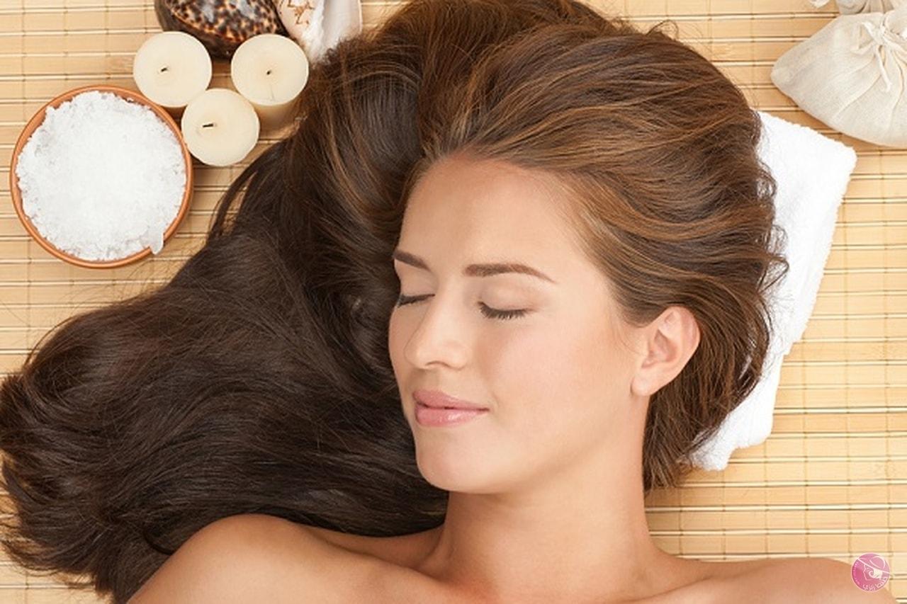 استخدامات النشا لفرد شعرك بطريقة أمنة